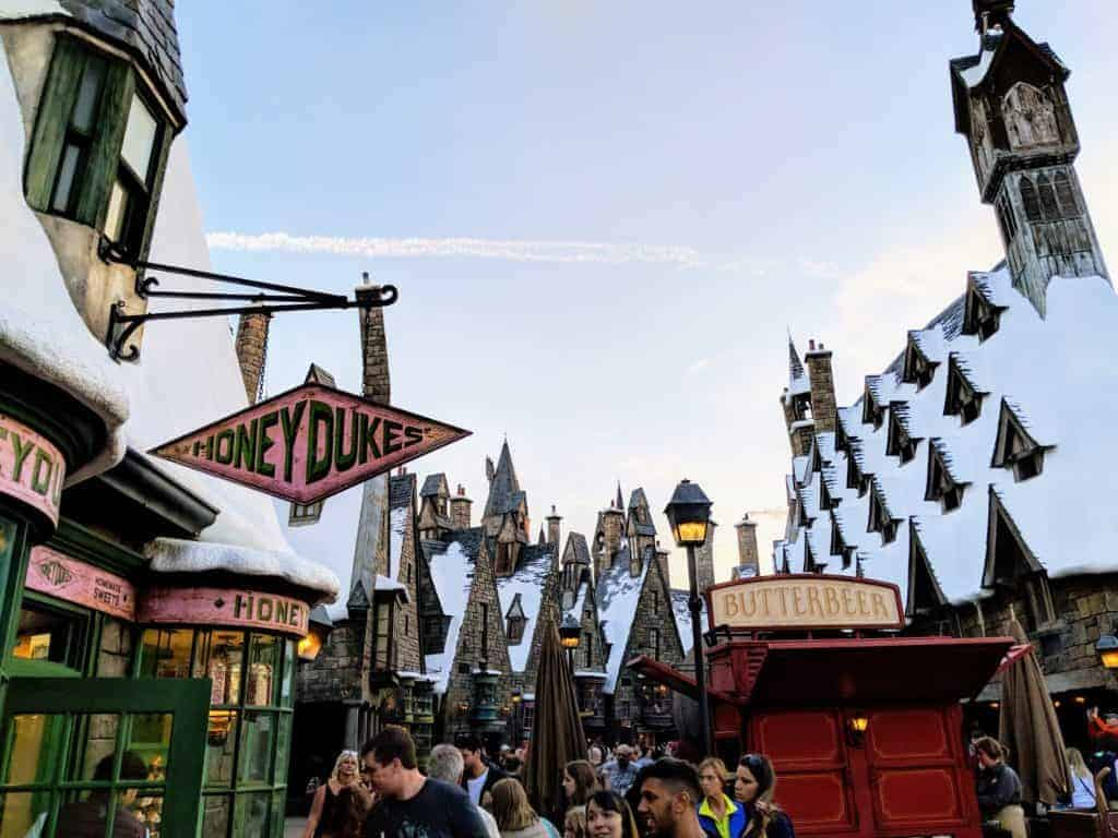 Hogsmeade-Universal-Orlando-Islands-of-Adventure