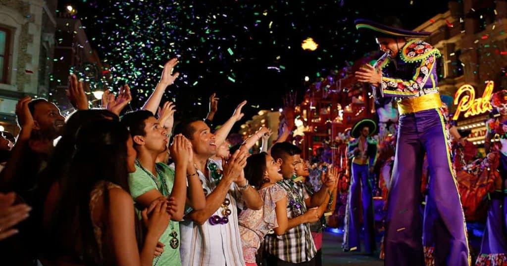 Mardi-Gras-Parade-universal-orlando