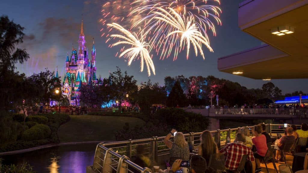firework disney magic kingdom