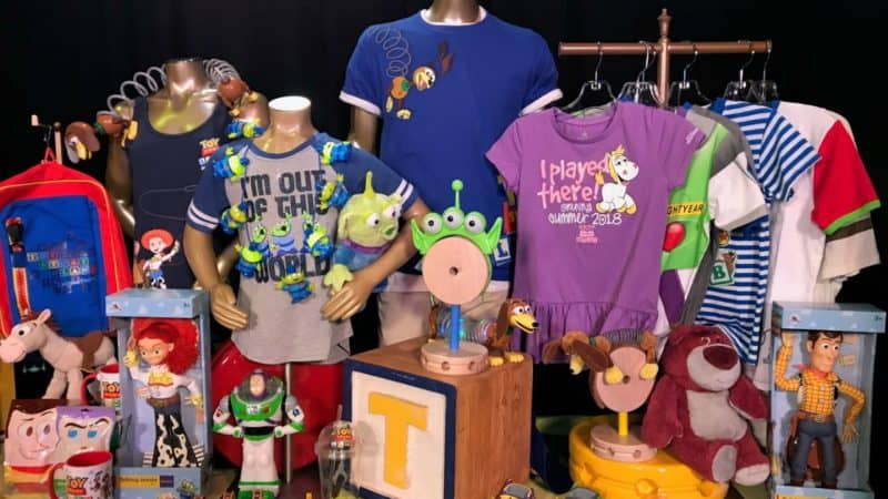 Shopping-in-Toy-Story-Land-merchandise