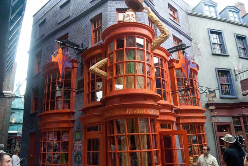 diagon-alley-Weasleys' Wizard Wheezes