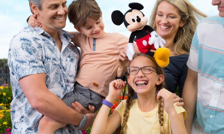 familia feliz disney magic kingdom