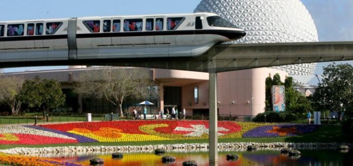 Monorail-Walt-Disney-World