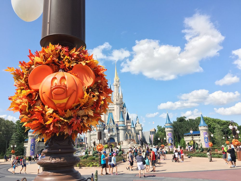 halloween decora