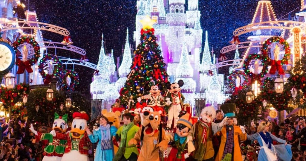 walt-disney-world-christmas-parade