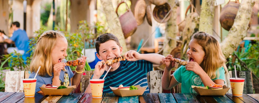 children-harambe-market-meal-in-animal-kingdom