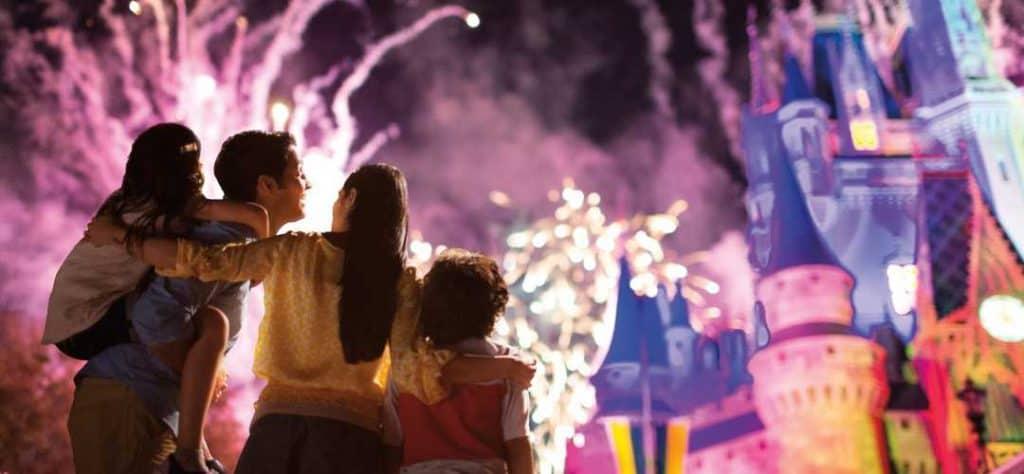 wdw-fireworks-familia