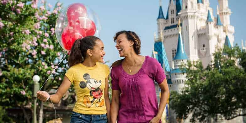 mom-daughter-disney
