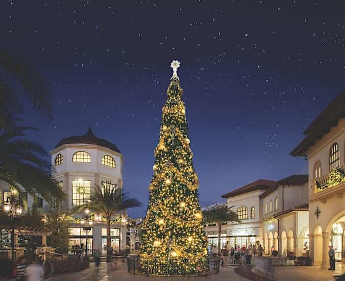 Disney_Springs_Christmas