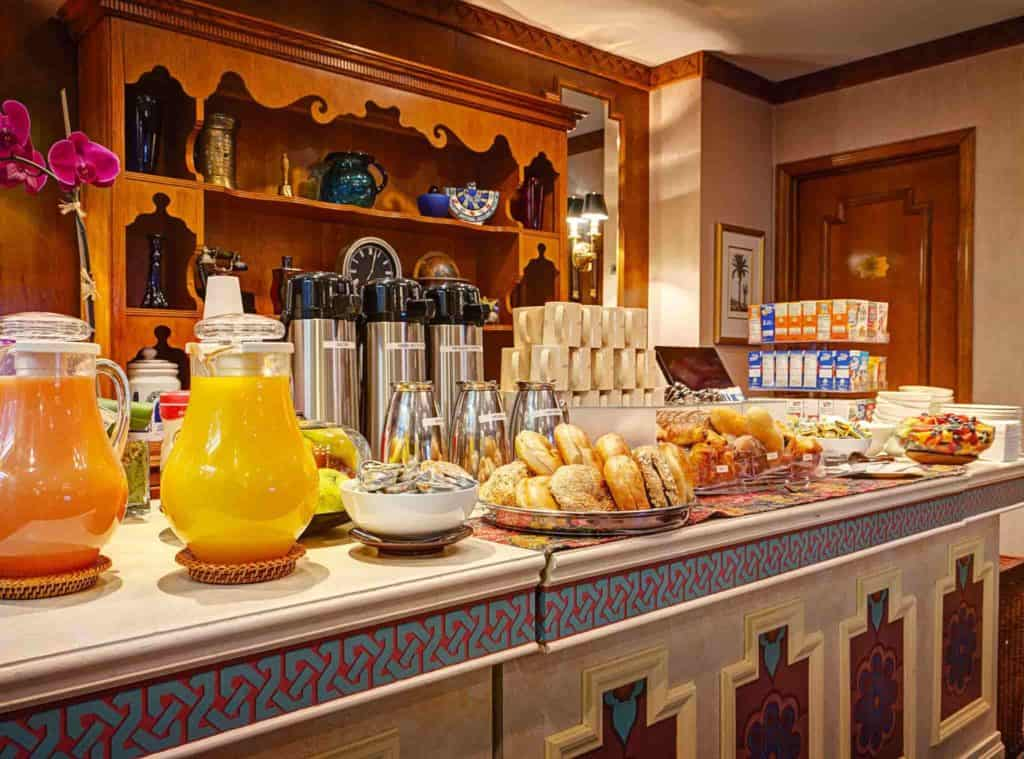 hotels with breakfast included
