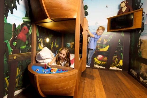 Legoland-FL-Pirate-Island-Hotel-hab2
