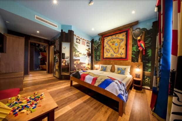 Legoland-FL-Pirate-Island-Hotel-habitacion